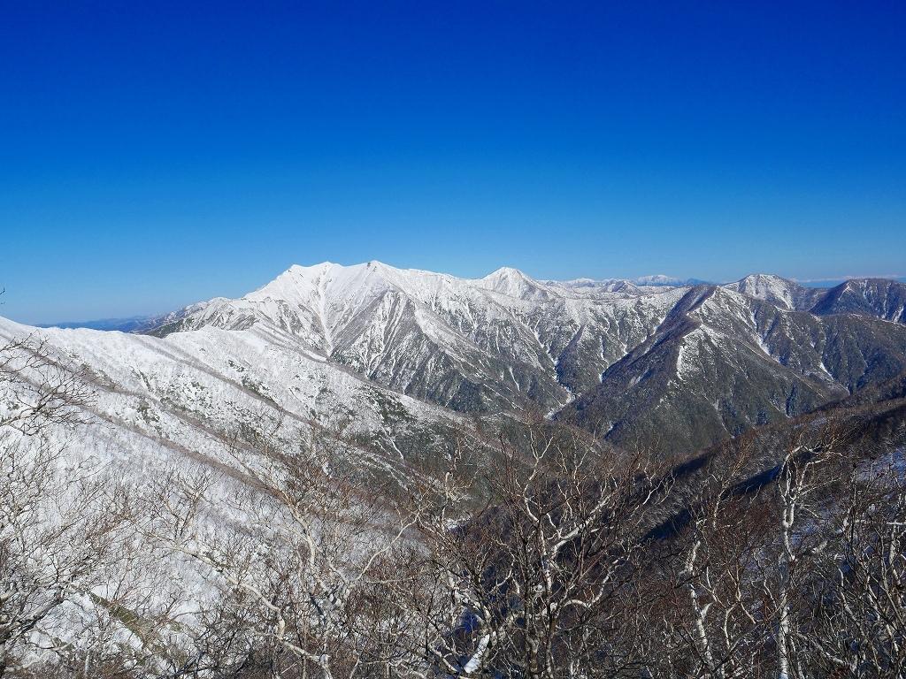 野塚岳とオムシャヌプリ、2019.4.28ーその1ー_f0138096_13472004.jpg