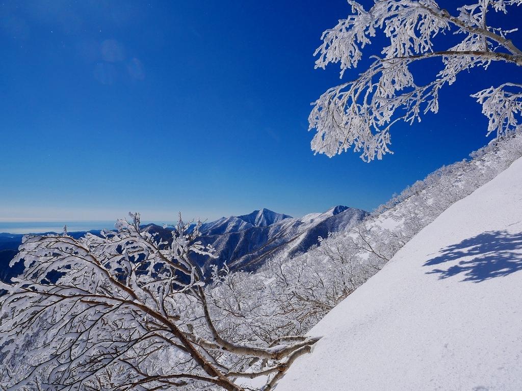 野塚岳とオムシャヌプリ、2019.4.28ーその1ー_f0138096_13473237.jpg