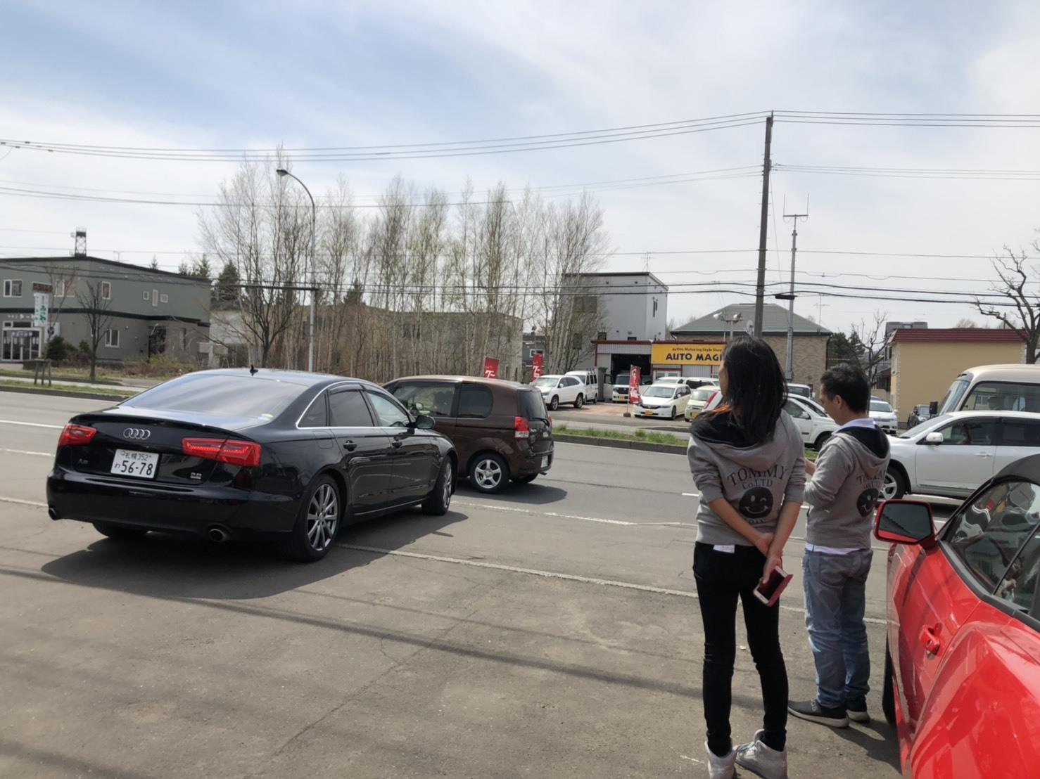 4月30日本店ブログ♪ ランクル200 4.6AX 4WD  ベージュマイカメタリック ありますよーーー! ランクル ハマー アルファード _b0127002_19023086.jpg