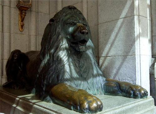 日本最古のデパート三越の印傳屋と天女像とライオン像_a0348309_16134010.png