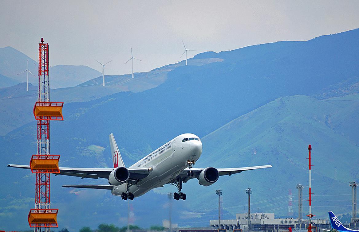 阿蘇熊本飛行場も。_b0044115_08091257.jpg