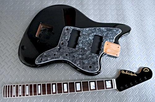 オーダーものを含む「Guitar × 4種」の塗装が完了です!_e0053731_16081116.jpg