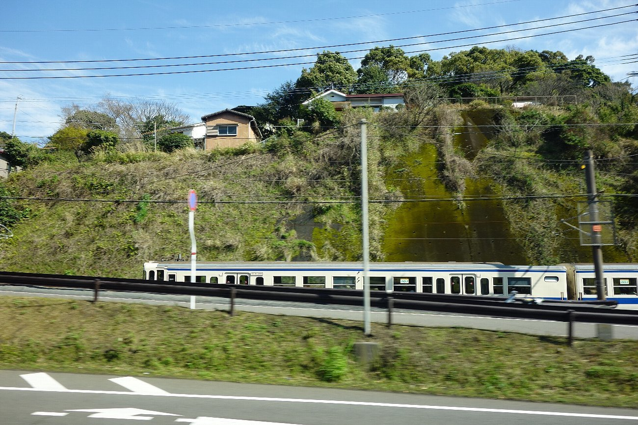 鹿児島市内の近代建築をバスの車窓から_c0112559_08234852.jpg