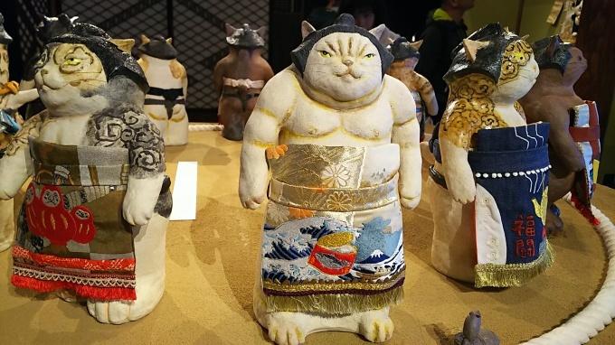 「猫都のアイドル展at百段階段」へ&ロクちゃん記念日♪_f0374160_22114863.jpg