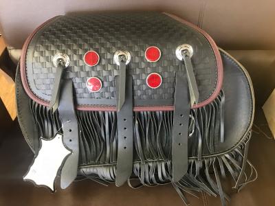 ハーレー FLSTS 新品未使用 サドルバッグ(左) ヤフオクへ \\100スタート出品しました♪_d0246961_20070762.jpg