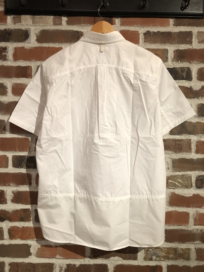 ""\""""SHIRTS"""" Selection by COMME des GARCONS._c0079892_2043734.jpg""412|550|?|en|2|ad17ed437c15bfbd1cb52f6b2ef304ab|False|UNLIKELY|0.32961127161979675