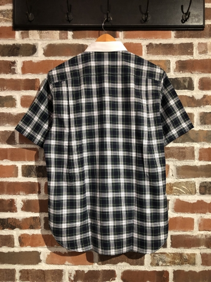 ""\""""SHIRTS"""" Selection by COMME des GARCONS._c0079892_2044858.jpg""412|550|?|en|2|fc1f07df792917a23b0cae5efa0d5404|False|UNLIKELY|0.31054192781448364
