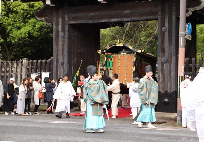 御霊神社神輿 京都御所参内_e0048413_21313052.jpg