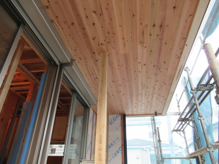 座間市栗原の家☆外壁と軒下の木貼り!_c0152341_17362610.jpg
