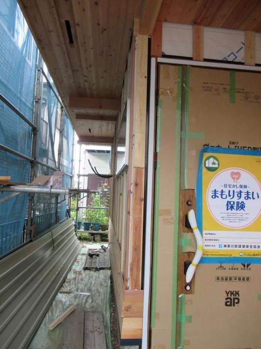 座間市栗原の家☆外壁と軒下の木貼り!_c0152341_17372542.jpg