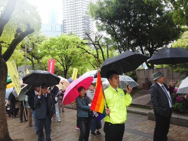 「兵庫県中央メーデー」☔ 雨の中 パレード&コール 🎶_f0061067_16091576.jpg
