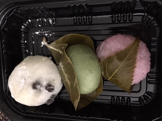 最近の日本食ーキュウリ、助六、桜餅_e0350971_13540157.jpg