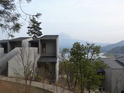 富士河口湖町「星のや富士」へ行く。春の前編_f0232060_19565157.jpg