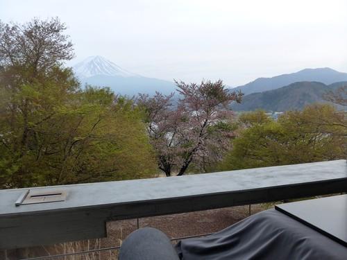 富士河口湖町「星のや富士」へ行く。春の前編_f0232060_2092128.jpg