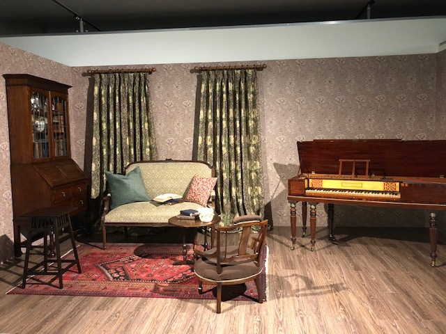 ウィリアム・モリスと英国の壁紙展 ウィリアムモリス正規販売店のブライト_c0157866_18063655.jpg