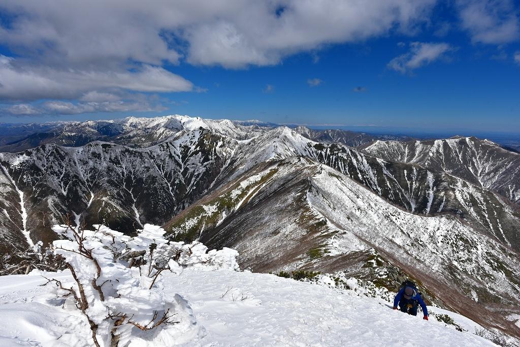 野塚岳とオムシャヌプリ、2019.4.28ー同行者からの写真ー_f0138096_21325783.jpg