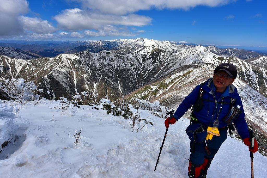 野塚岳とオムシャヌプリ、2019.4.28ー同行者からの写真ー_f0138096_21335410.jpg