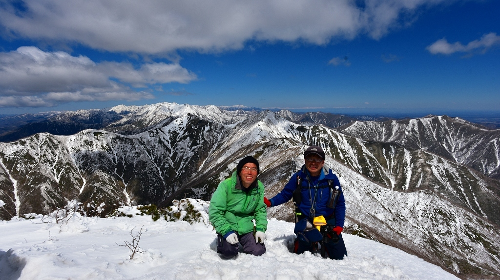 野塚岳とオムシャヌプリ、2019.4.28ー同行者からの写真ー_f0138096_21335638.jpg
