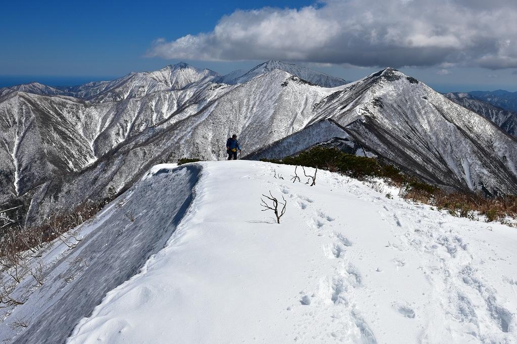 野塚岳とオムシャヌプリ、2019.4.28ー同行者からの写真ー_f0138096_21340789.jpg