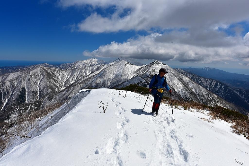 野塚岳とオムシャヌプリ、2019.4.28ー同行者からの写真ー_f0138096_21341071.jpg