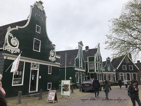 ザーンセスカンス風車村を観光♪アムステルダムからの行き方(オランダ旅行記)_f0023333_21320805.jpg