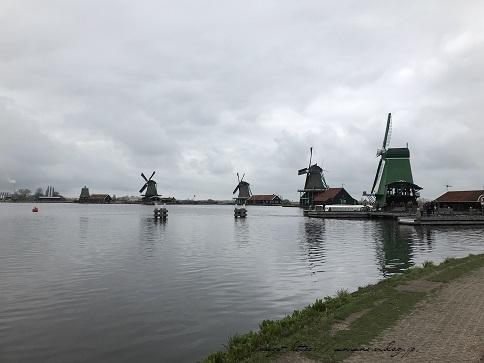 ザーンセスカンス風車村を観光♪アムステルダムからの行き方(オランダ旅行記)_f0023333_21323460.jpg