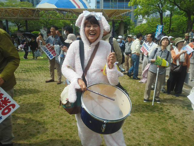 🎶 金太郎ミュージカル 🎶 から憲法集会まで (*^^*) 🌞🌞🌞_f0061067_20491046.jpg