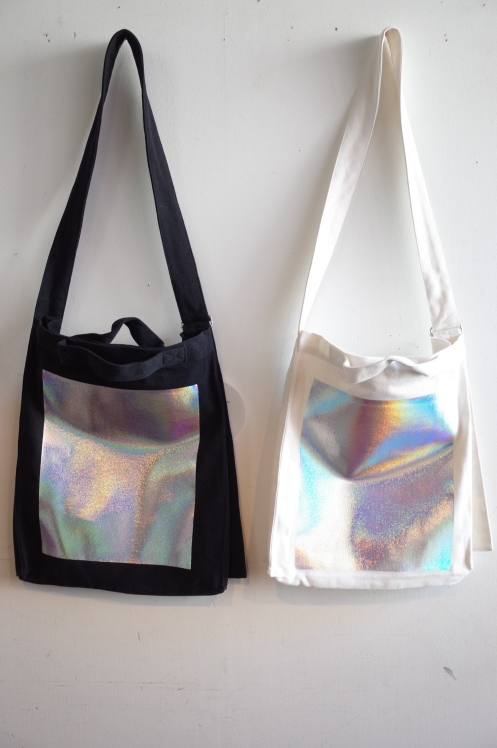 OKIRAKU☆hologramBag shoulder Bag☆_e0269968_18052742.jpg