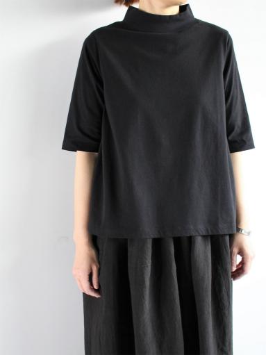 GRANDMA MAMA DAUGHTER HIGH NECK SIDE GATHER T-SHIRT / BLACK_b0139281_12121228.jpg