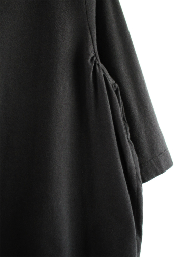 GRANDMA MAMA DAUGHTER HIGH NECK SIDE GATHER T-SHIRT / BLACK_b0139281_12123080.jpg