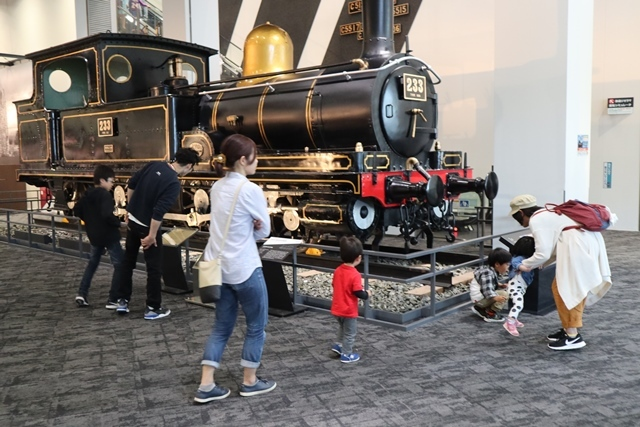 藤田八束の京都ご案内@京都鉄道博物館は素晴らしい、鉄道の歴史・鉄道技術の発展を現物を見ながら学ぶ_d0181492_13221668.jpg