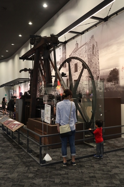 藤田八束の京都ご案内@京都鉄道博物館は素晴らしい、鉄道の歴史・鉄道技術の発展を現物を見ながら学ぶ_d0181492_13223790.jpg