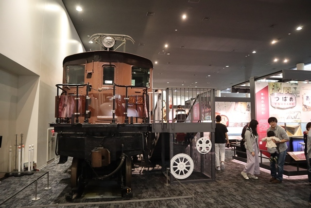 藤田八束の京都ご案内@京都鉄道博物館は素晴らしい、鉄道の歴史・鉄道技術の発展を現物を見ながら学ぶ_d0181492_13240021.jpg