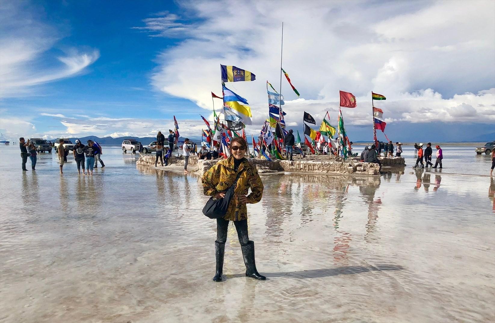 中南米の旅/29 ウユニ塩湖にある唯一のトイレ_a0092659_01243918.jpg