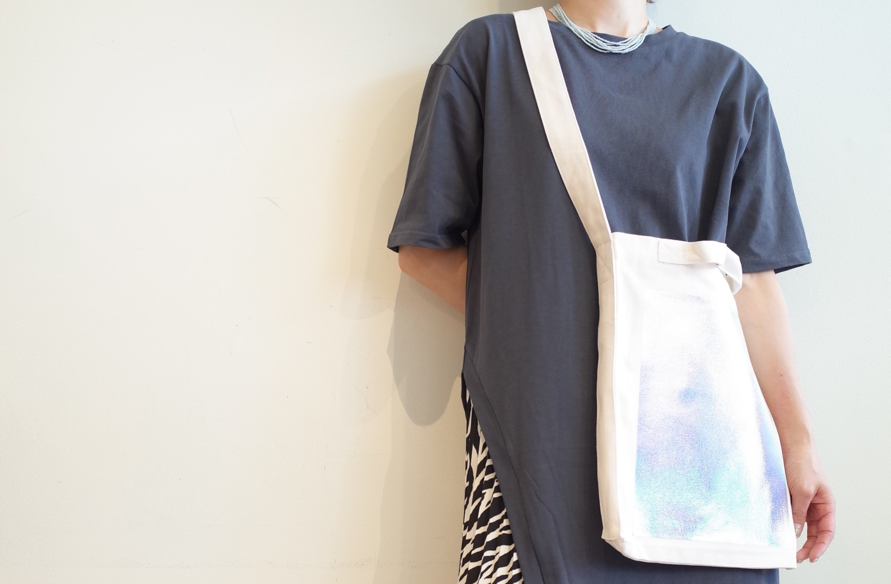 OKIRAKU☆hologramBag shoulder Bag☆_e0269968_16492999.jpg