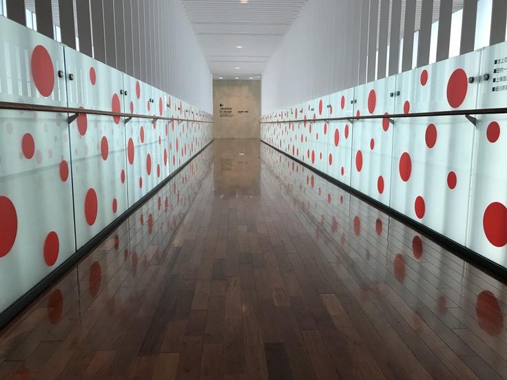 ランチのあとは 松本市美術館へ。_c0212604_17431675.jpg