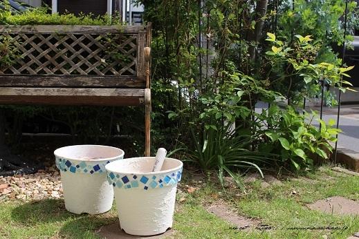 『NHK趣味の園芸』100均鉢植えプランターを漆喰風にリメイク(春の庭)_f0023333_22141186.jpg