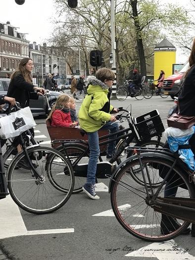 オランダ『アムステルダム・アルバートカイプ市場』の手芸店♪_f0023333_23101518.jpg