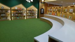 駅前の新しい図書館はゆっくり楽しめそうです。でも図書館は各地に欲しい。_c0133422_0454562.jpg