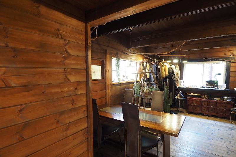 【木漏れ日を味わう】Cafe+Gallery Komorebi @サンタヒルズ_b0008655_11542145.jpg