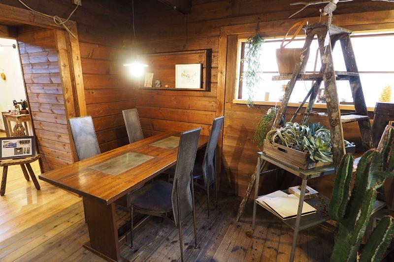【木漏れ日を味わう】Cafe+Gallery Komorebi @サンタヒルズ_b0008655_11550044.jpg