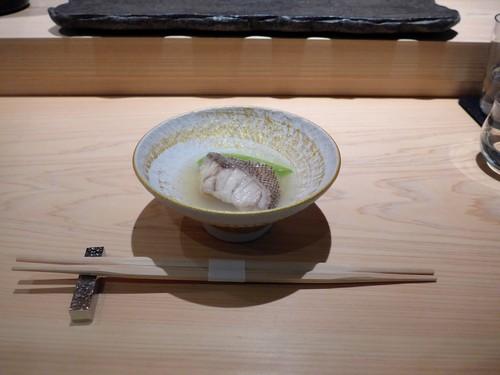 渋谷「熟成鮨 万」へ行く。_f0232060_12501538.jpg