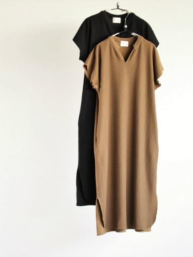 blurhms New Rough&Smooth Thermal Key-Neck Dress_b0139281_13211049.jpg