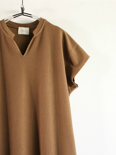 blurhms New Rough&Smooth Thermal Key-Neck Dress_b0139281_13315994.jpg