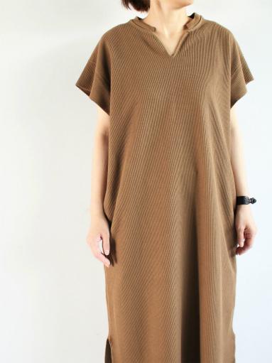 blurhms New Rough&Smooth Thermal Key-Neck Dress_b0139281_13322218.jpg