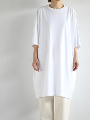 unfil suvin cotton jersey oversized T-shirt dress / white _b0139281_19162916.jpg
