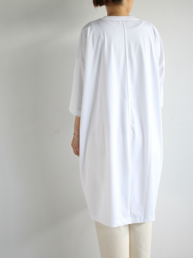 unfil suvin cotton jersey oversized T-shirt dress / white _b0139281_1916565.jpg