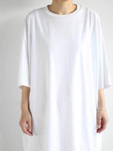 unfil suvin cotton jersey oversized T-shirt dress / white _b0139281_191737100.jpg