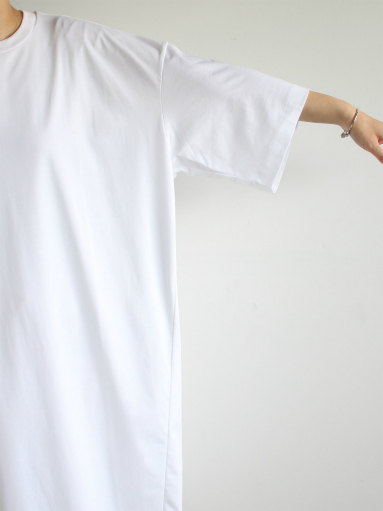 unfil suvin cotton jersey oversized T-shirt dress / white _b0139281_19174664.jpg