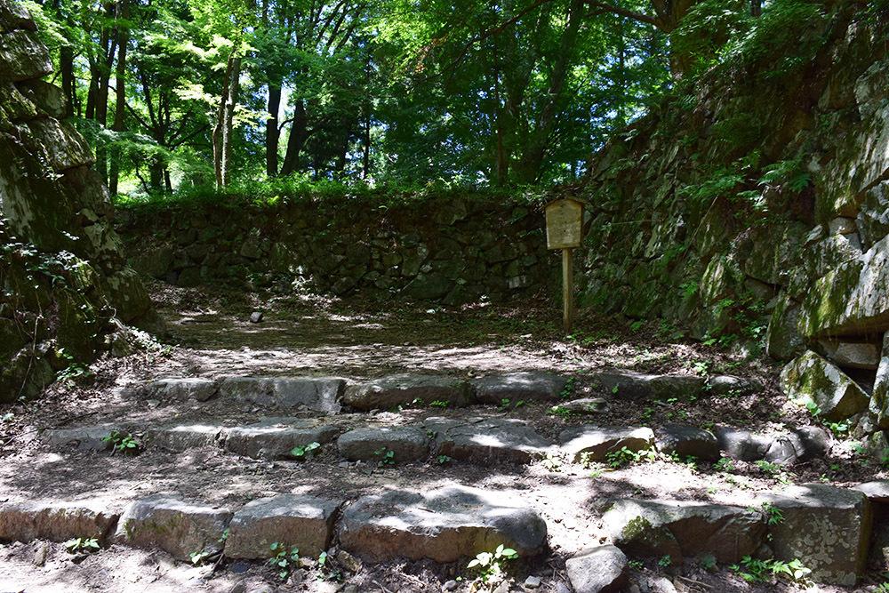 日本最大の山城、高取城登城記。 その4 <大手門~二ノ丸>_e0158128_11330281.jpg